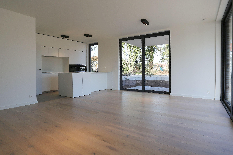 Keuken hout appartement - Tegelwerken Trogh