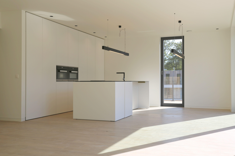 Keuken wit hout - Tegelwerken Trogh